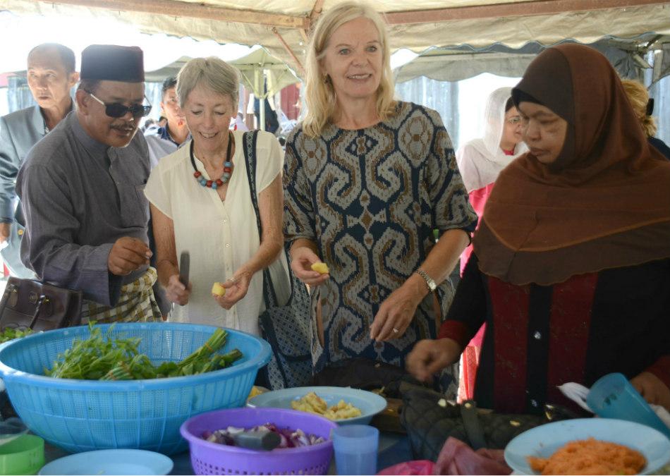 آموزش و تهیه غذای سنتی مالزی به هنرمندان